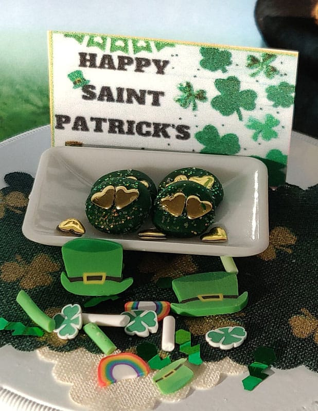 2 Amazing St. Patrick's Dgreen With Gold Hearts Cookies