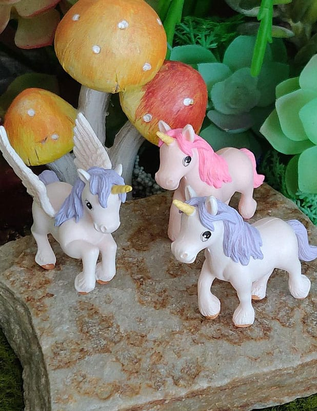 sweet standing unicorns, miniature