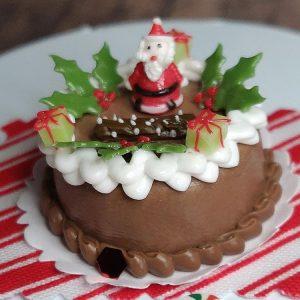 christmas santa cake with holly